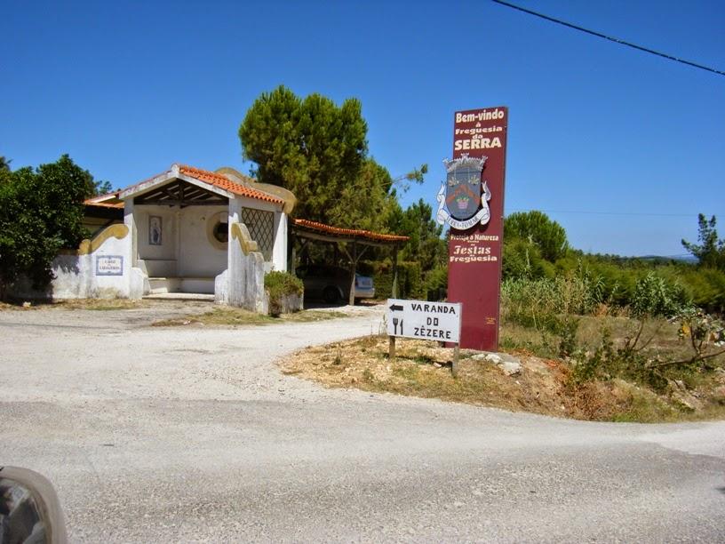 Placa da freguesia da Serra