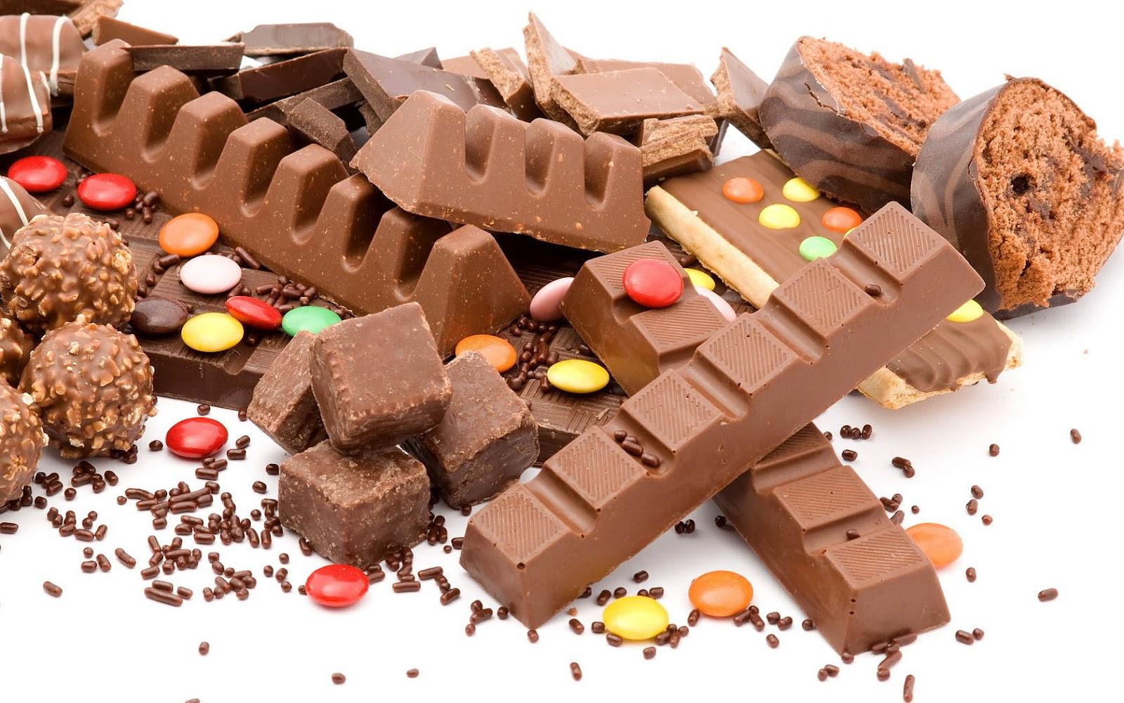 http://1.bp.blogspot.com/-YtSnGT-5L-g/UG2d4_KhUpI/AAAAAAAAFXI/7SRBZ3EDCJA/s1600/foto-met-verschillende-soorten-chocolade-hd-eten-wallpaper.jpg