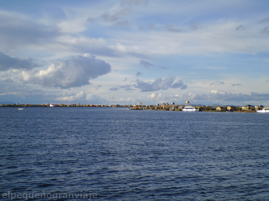 Puno islas flotantes
