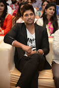 Allu Arjun Stylish Photos-thumbnail-14