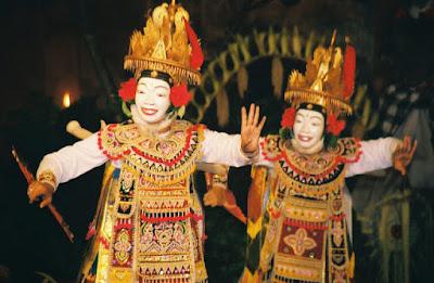balinese art, balinese culture, Balinese dance, gamelan, holiday in Bali, Tari Baris Gede, Tari Legong, Tari Margapati, Tari topeng