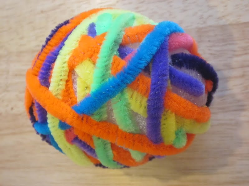 Preschool crafts for kids pipe cleaner easter egg craft for Easter crafts pipe cleaners