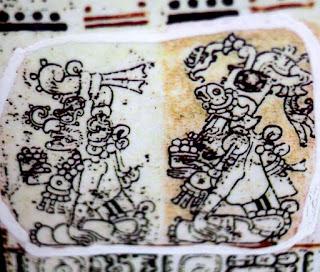"""Todas estas señales hicieron que las puertas  de la cultura maya se abrieran y los sacerdotes  mayas o h-mem compartieran con él sus  conocimientos ancestrales que le ayudaron  a """"descifrar los códices con mas facilidad."""""""