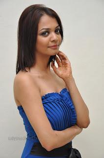 Heena Chopra Stunning Slim New Telugu Actress in Blue Half Gown
