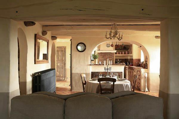 cocina y comedor privados estilo rustico hotel