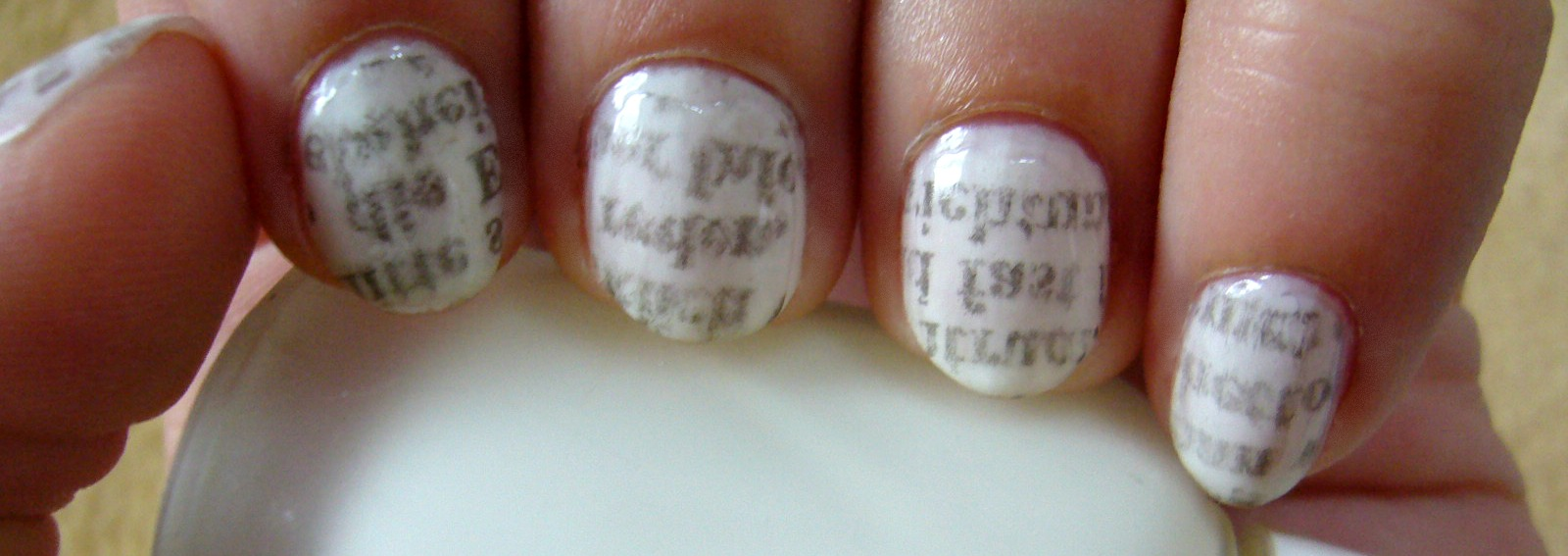 The Wild One: [NOTD] Newsaper Nails + Tutorial