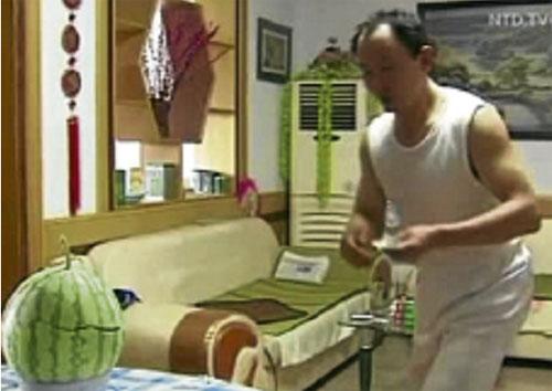 TONGXIN berlatih dua jam setiap malam.