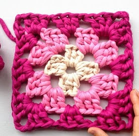 http://ladycrochet.blogspot.com.es/2015/02/granny-square-love.html