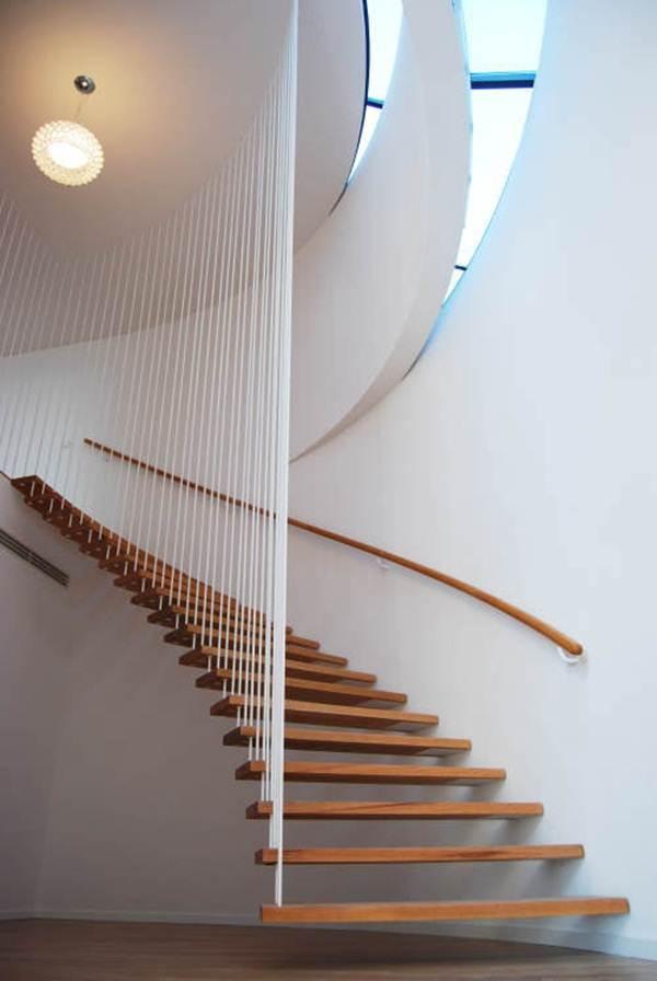 tangga-moden-terapung