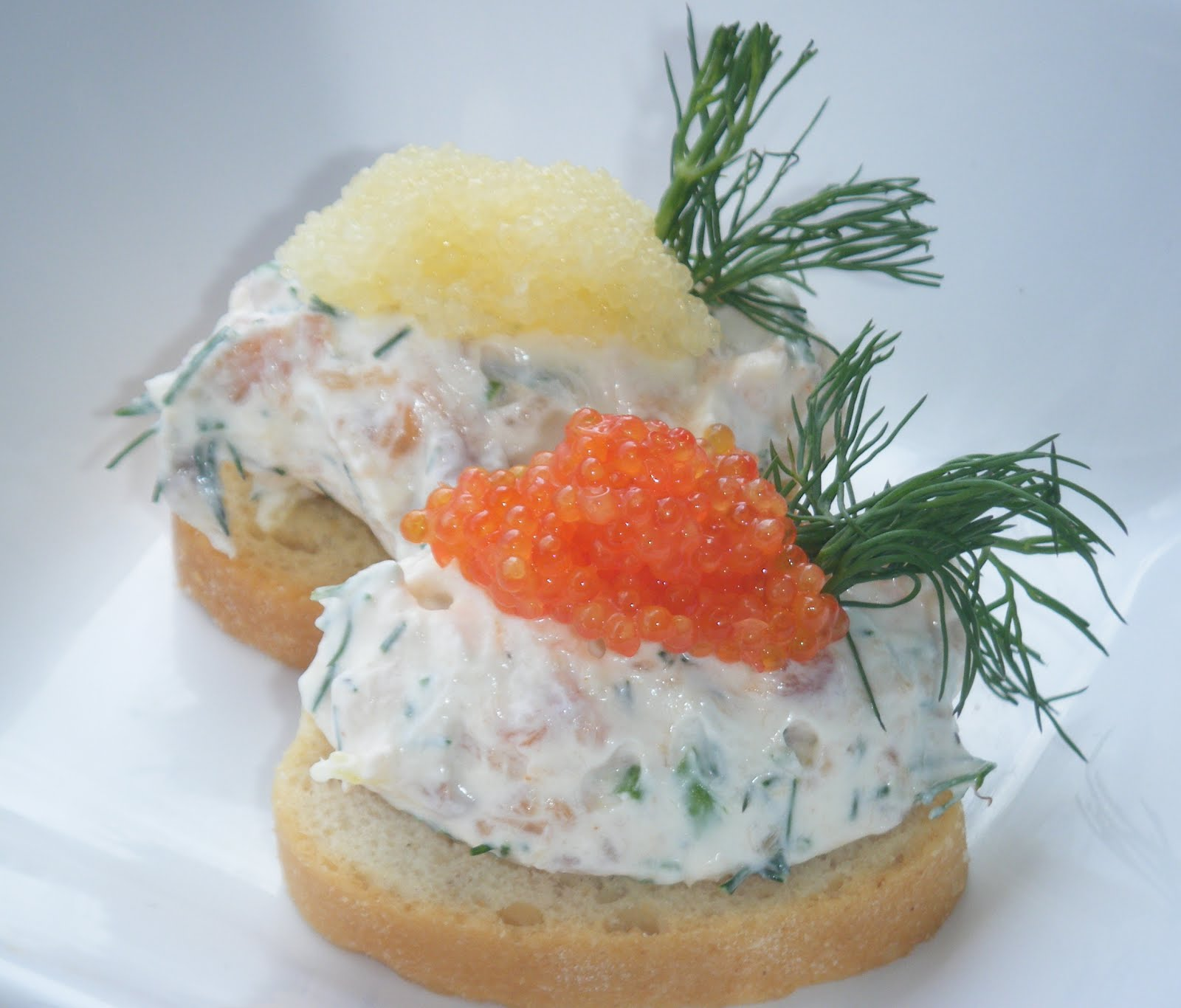 A hungry swede in london smoked salmon mousse canapes for Salmon mousse canape