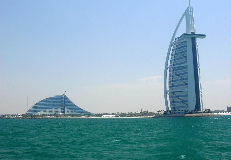 Best hotels for you jumeirah beach hotel dubai for Hotel dubai famous