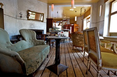 rainbow berlin mr minsch. Black Bedroom Furniture Sets. Home Design Ideas