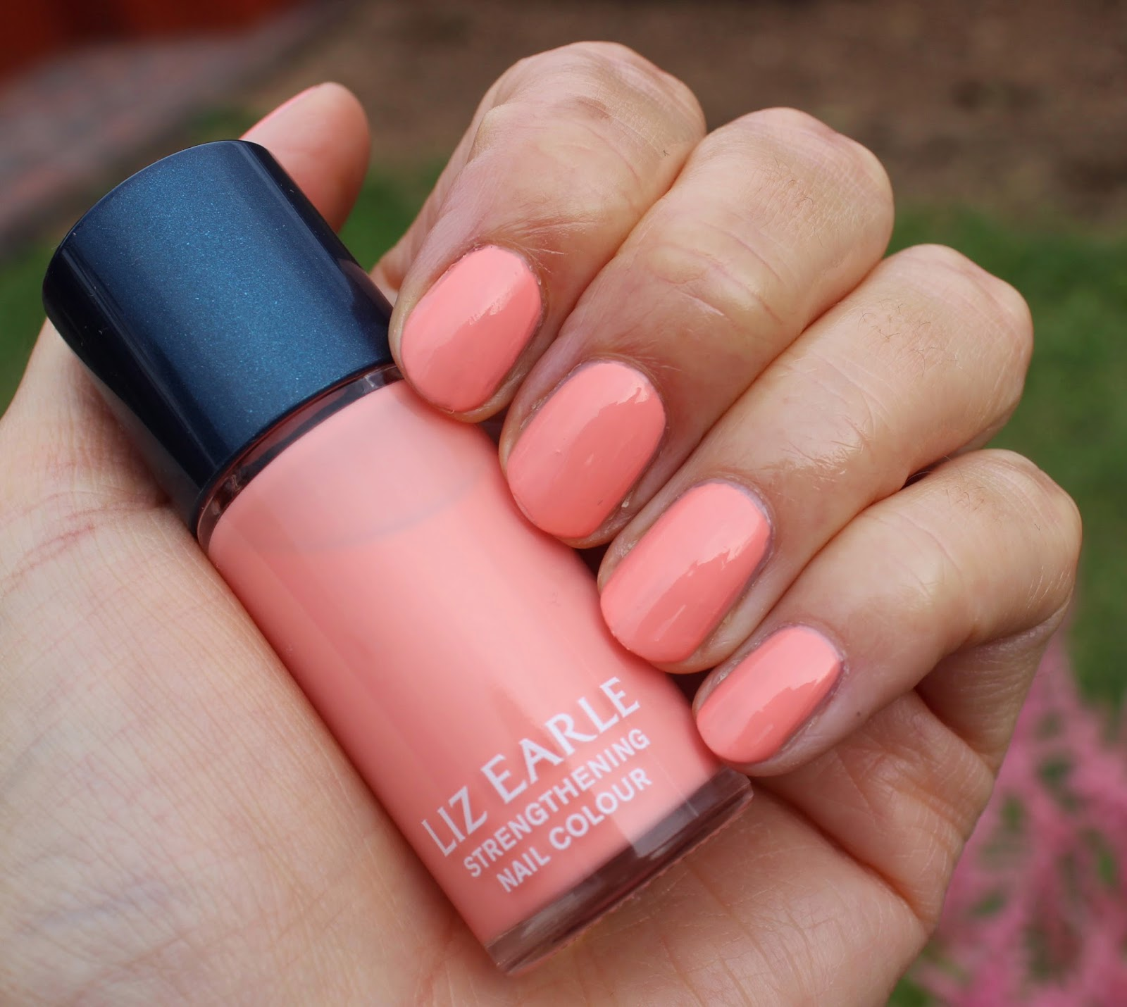 BEAUTY & LE CHIC: My favourite summer nail polish... and from an ...