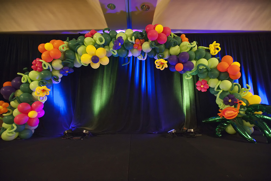 Tropical flower balloon arch for Balloon arch decoration ideas