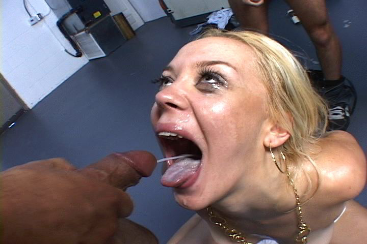 Amateur college girl hooks up with old guy - 2 part 6