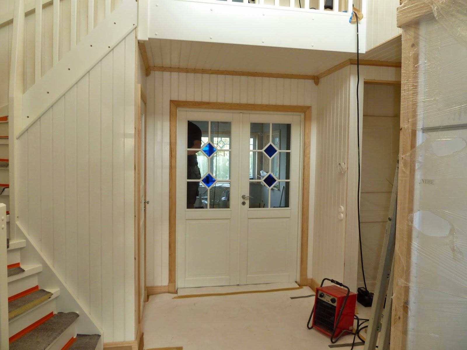 Myrstacken: hallen har fått en trappa