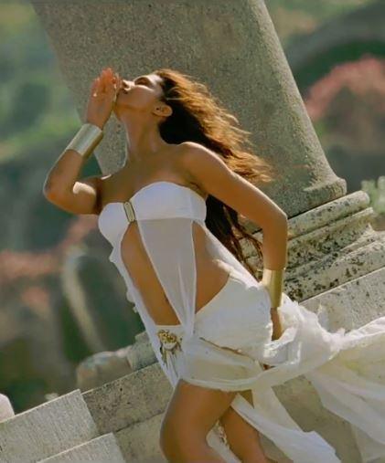 Deepika Padukone Hot Pictures - Exclusive Indian actress photo