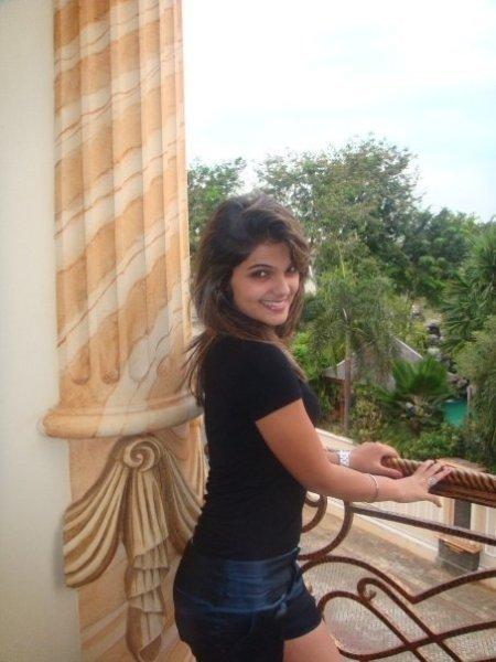 Sri Lankan Hot And Sexy  Girls