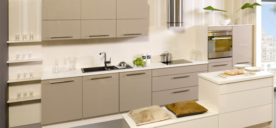 Cocinas lineales grandes y peque as cocinas con estilo for Cocinas lineales de cuatro metros