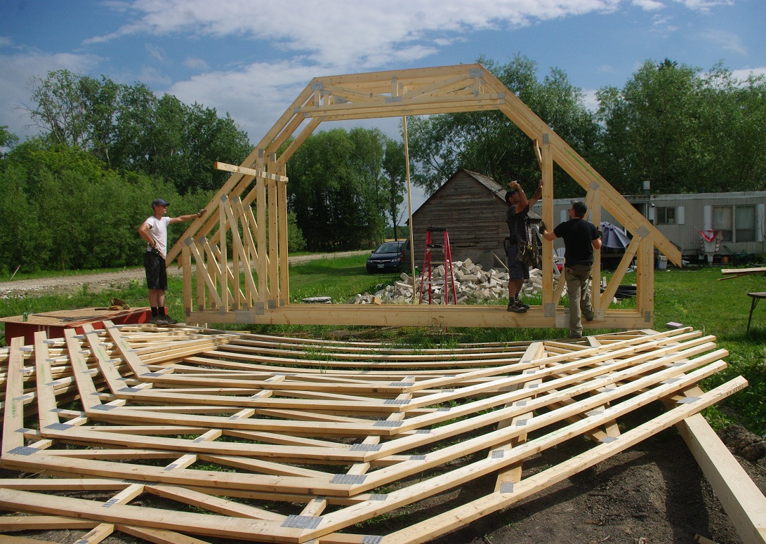 Thousand square feet owner building a home day 40 41 for 40 foot roof truss