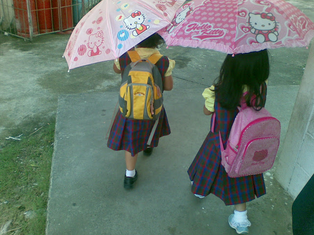 Matching Hello Kitty umbrella