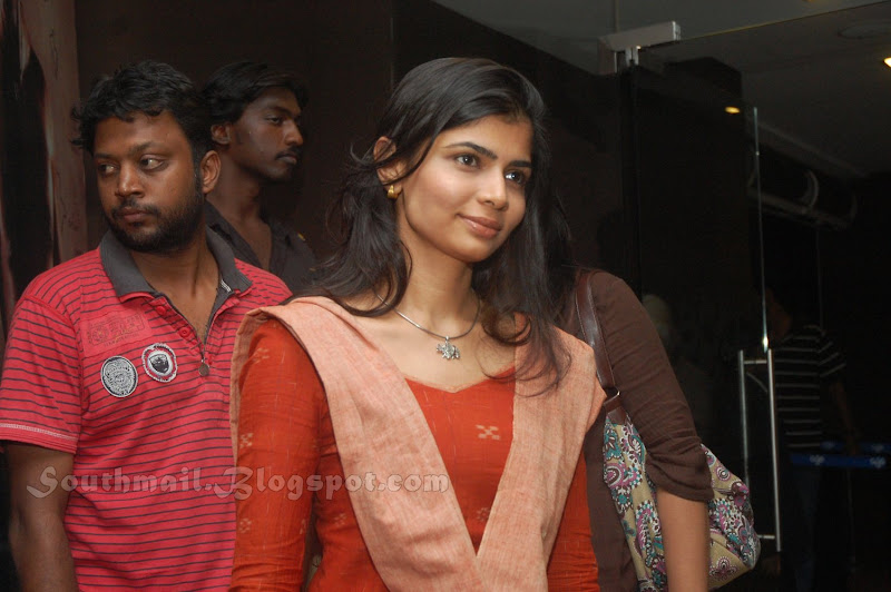 Singer Chinmayi Photos in Chudithar Latest Gallery wallpapers