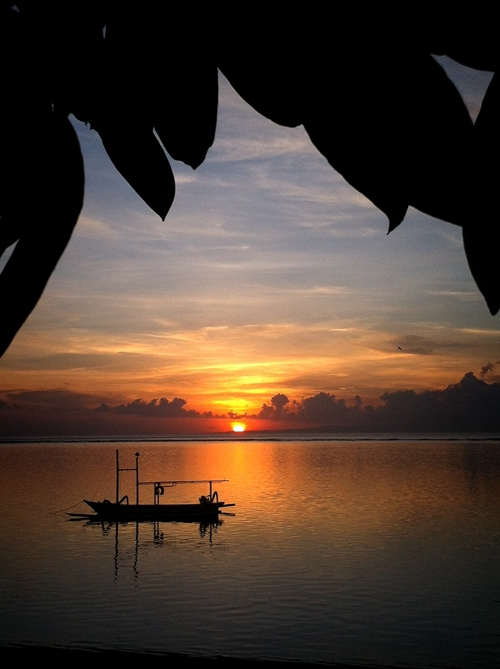 バリ島の朝日 サヌール
