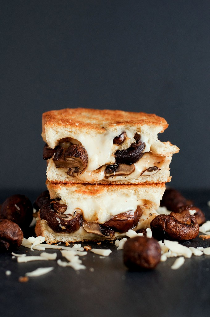 Kitchen Food Recipes: The Swiss Mushroom Melt Grilled Cheese