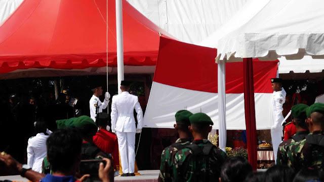 Paskibra Pengibar Bendera Merah Putih