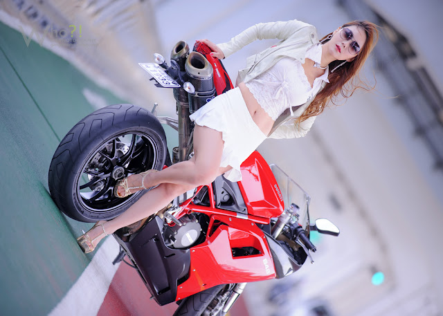 2 Jo Ye Jin and Ducati-very cute asian girl-girlcute4u.blogspot.com