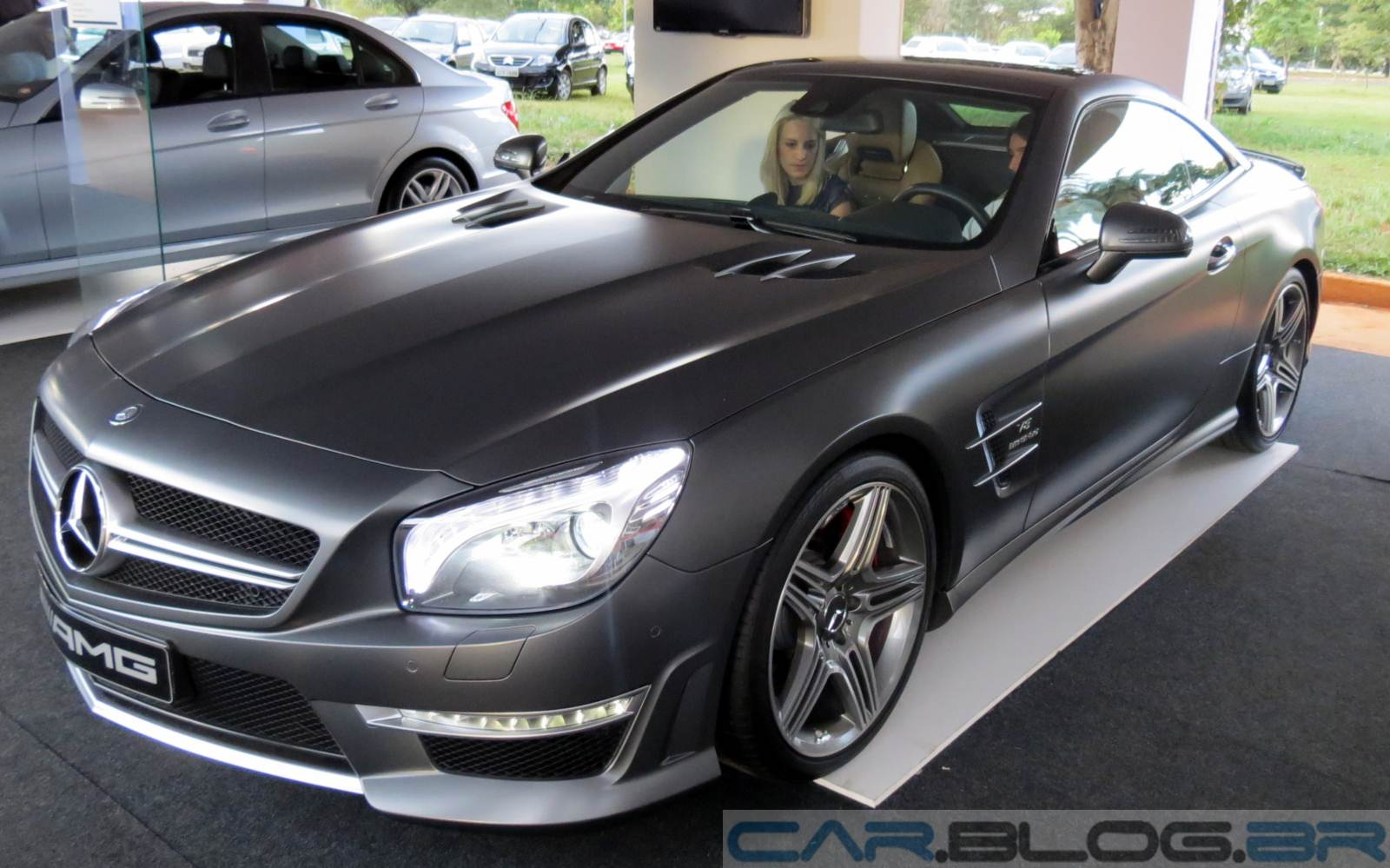 Mercedes benz sl 63 amg pre o v deo e especifica es for Mercedes benz in atlanta
