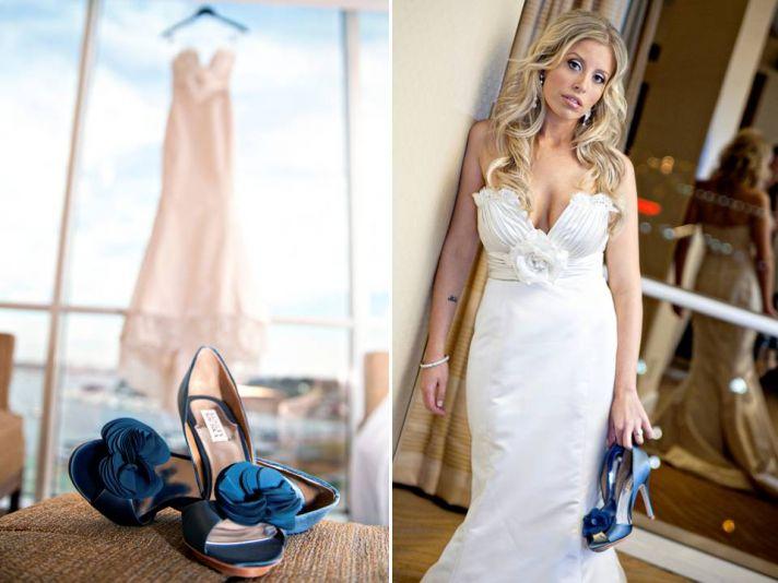 Otra alternativa muy de tendencia para incluir el color azul, he de confesar que mi favorita, son los zapatos azules. Las novias con zapatos azules son