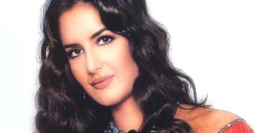 Katrina kaif hd wallpaper 1080p download free in red saree