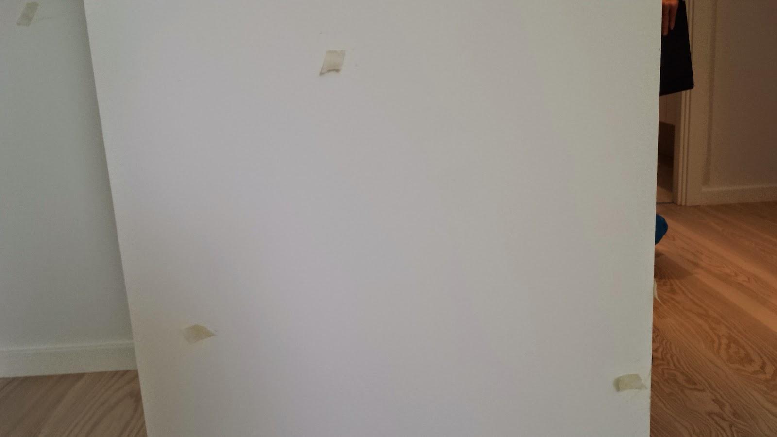 Malertape markerer fejl i Huscompagniets byggeri.