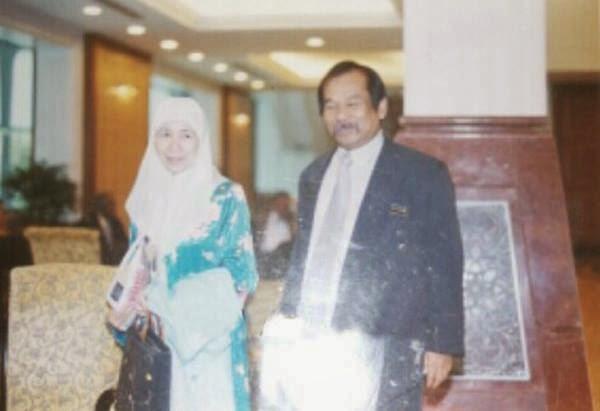 #MH370 : Bomoh Buaya Penah Jaga Wan Azizah?!