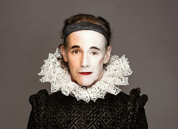 how does shakespeare establish richard's character Shakespeare, as a dramatist, added more and more to the physical deformity as it was the perfect tool for making richard into a pantomime villain and because there was thought to be a connection between physical deformity and evil character at that time.