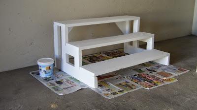 Escadote pintado de branco