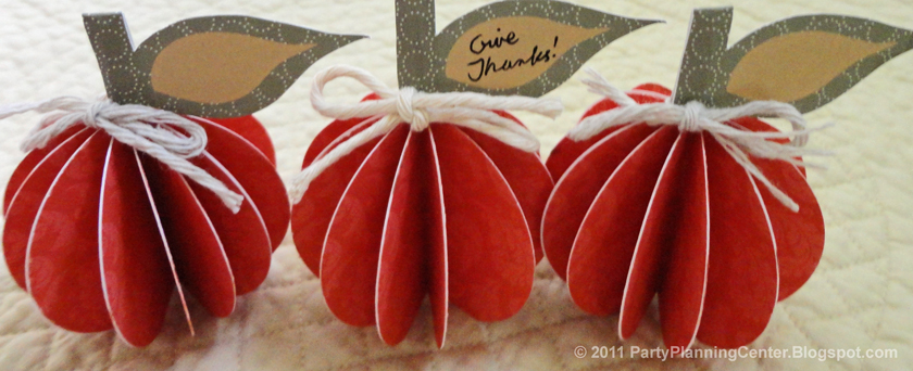 Free Printable Fall Decorations and Thanksgiving Place Cards