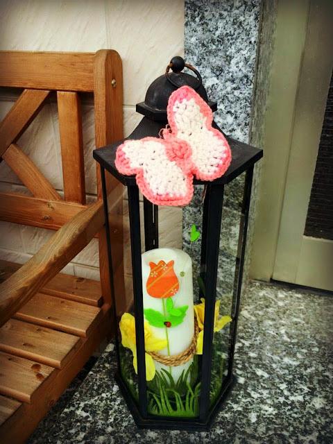 Ideenpiratin - Blumige Frühlingsdeko mit Schmetterling