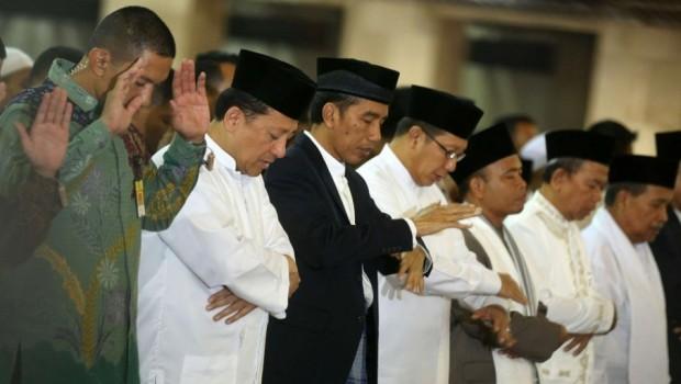 Ahok Ajak Jokowi untuk Tunaikan Shalat Jumat