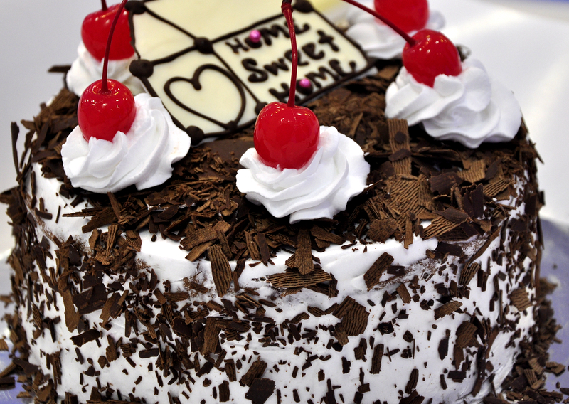 ... Little Bakery かわいいパン屋: In Love! Black Forest Layer Cake