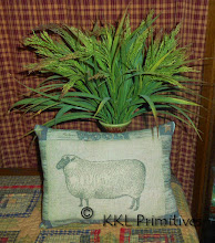 WOOL SHEEP PILLOW TUCK