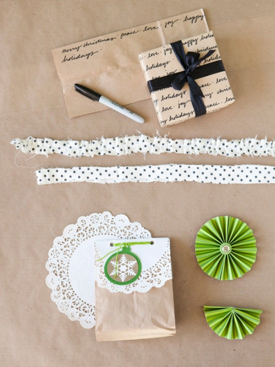A chi chi affair cute christmas garland ideas and for Wrapping present ideas for christmas