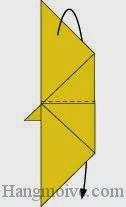 Bước 6:Gấp lớp giấy còn lại theo chiều từ trên xuống dưới về phía mặt đằng sau