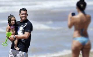 AC Milan Bersiap Lancarkan Peminjaman Tevez