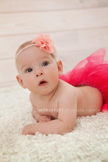sesja zdjęciowa niemowlaka, fotografia rodzinna, zdjęcia noworodków, sesje noworodkowe w poznaniu, profesjonalna fotografia wielkopolska