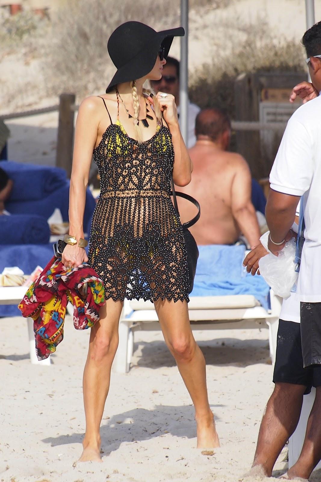 http://1.bp.blogspot.com/-Z-9m3O9l-5g/T_lmBVx707I/AAAAAAAAKNI/H8lX8N13LOk/s1600/Paris+Hilton+-+Ibiza+Vacation+July+2012+-02.jpg