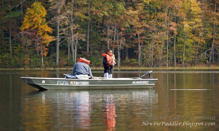 Newbie paddler my solo canoe burke lake park virginia for Burke lake fishing