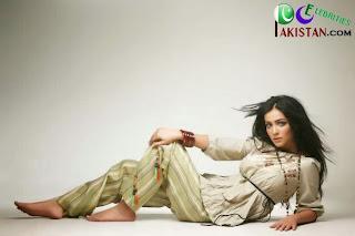 Humaima Malik in Between Emraan Hashmi And Shatir
