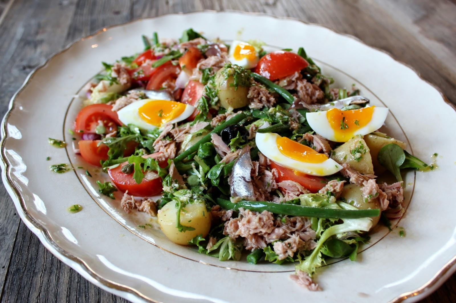 http://monicasoppskrifter.blogspot.no/2014/05/salade-nicoise-tunfisksalat-fra-nice.html